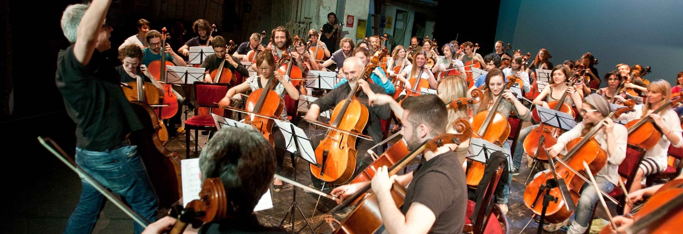 100Cellos in concerto